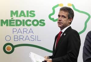 O ministro da Saúde, Arthur Chioro, durante fala sobre o programa Mais Médicos Foto: Jorge William / O Globo - 11/02/2014