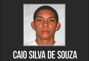Disque-Denúncia divulga cartaz com foto de suspeito de ter atirado rojão que matou cinegrafista Foto: Divulgação / Disque-Denúncia