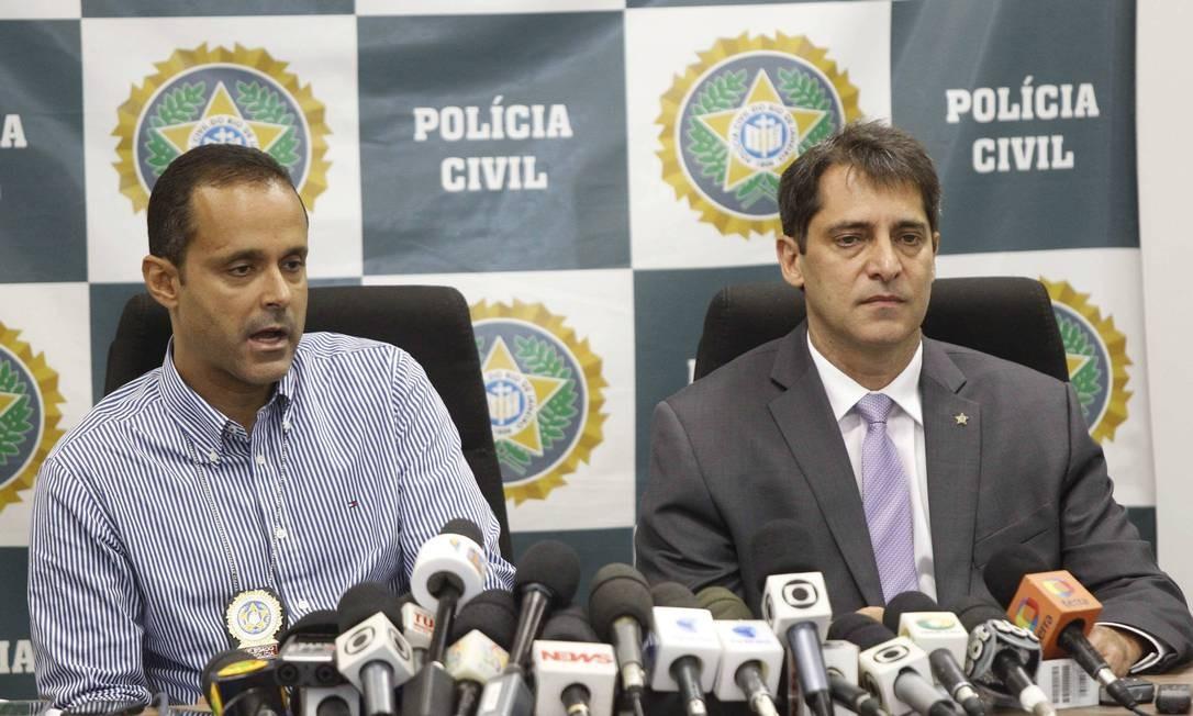 O delegado Maurício Luciano e do chefe de Polícia, Fernando Veloso, durante entrevista sobre a prisão de Caio Silva de Souza Foto: Pablo Jacob / O Globo