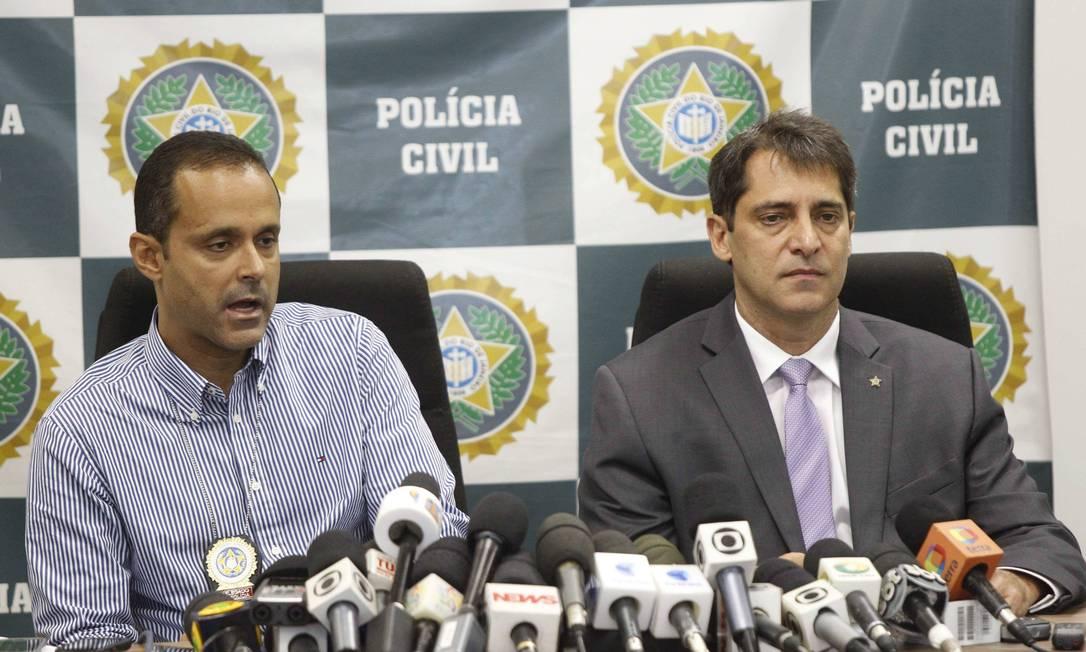 O delegado Maurício Luciano e do chefe de Polícia, Fernando Veloso, dão entrevista sobre a prisão de Caio Silva de Souza Foto: Pablo Jacob / O Globo