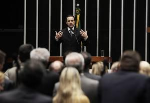 Natan Donadon se defende antes de ter seu mandato na Câmara mantido, em agosto do ano passado Foto: Arquivo O Globo / Jorge William/28-8-2013