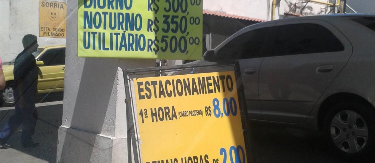 Tabelas de preços de estacionamentos no Centro estão longe de informar o consumidor corretamente Foto: Divulgação/Procon
