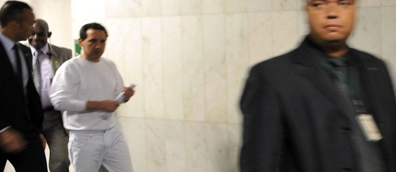 Donadon chega à Câmara dos Deputados vestido de branco Foto: Agência Câmara