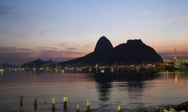O Pão de Açúcar visto da Praia de Botafogo Foto: Fernando Quevedo / Agência O Globo