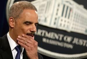 Segurança. O procurador-geral dos EUA, Eric Holder, é a favor da abertura de contas bancárias para empresários relacionados à substância Foto: CHIP SOMODEVILLA / AFP