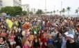 Milhares de pessoas acompanharam a Banda de Ipanema, que comemora 50 carnavais