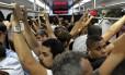 Tarifas aumentam, mas passageiros enfrentam rotina de transtornos no transportes públicos do estado
