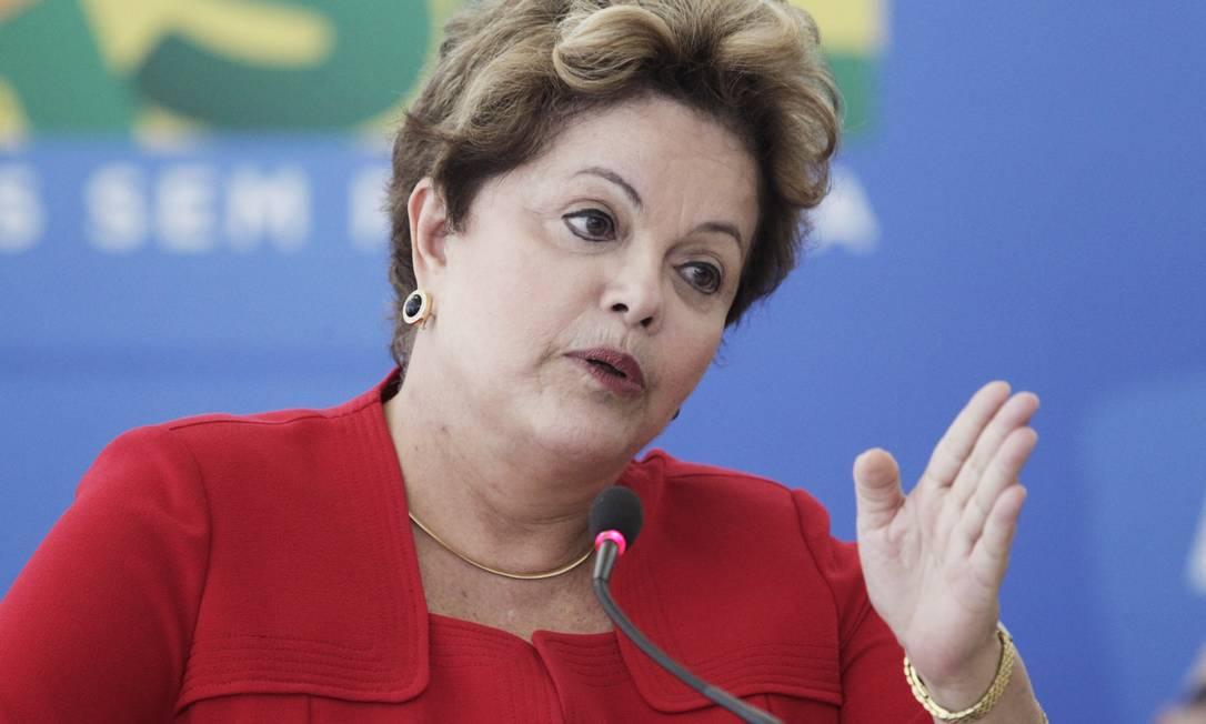 Dilma Rousseff: Pessoas que usam da violência, pessoas que escondem o rosto para se manifestar não são democratas Foto: Jorge William em 12/06/2013 / O Globo