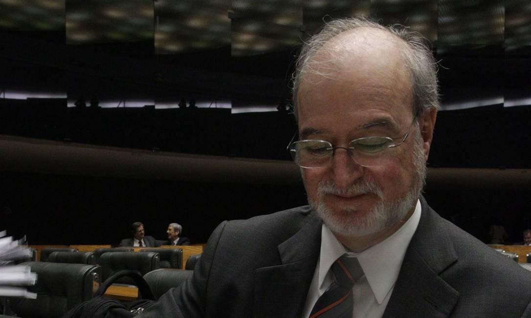 Eduardo Azeredo renunciou de seu mandato na Câmara- Foto: André Coelho/19-12-2012 / O Globo