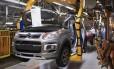 Lay-Off. Fábrica da Peugeot, em Porto Real: com os cortes, passará a produzir 450 veículos por dia, 180 a menos