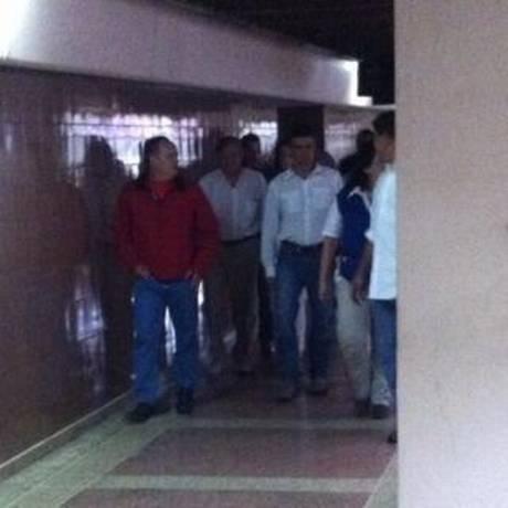 Imagem de Leopoldo López, quando passou pelo Palácio da Justiça na segunda-feira Foto: Eduardo Noguera