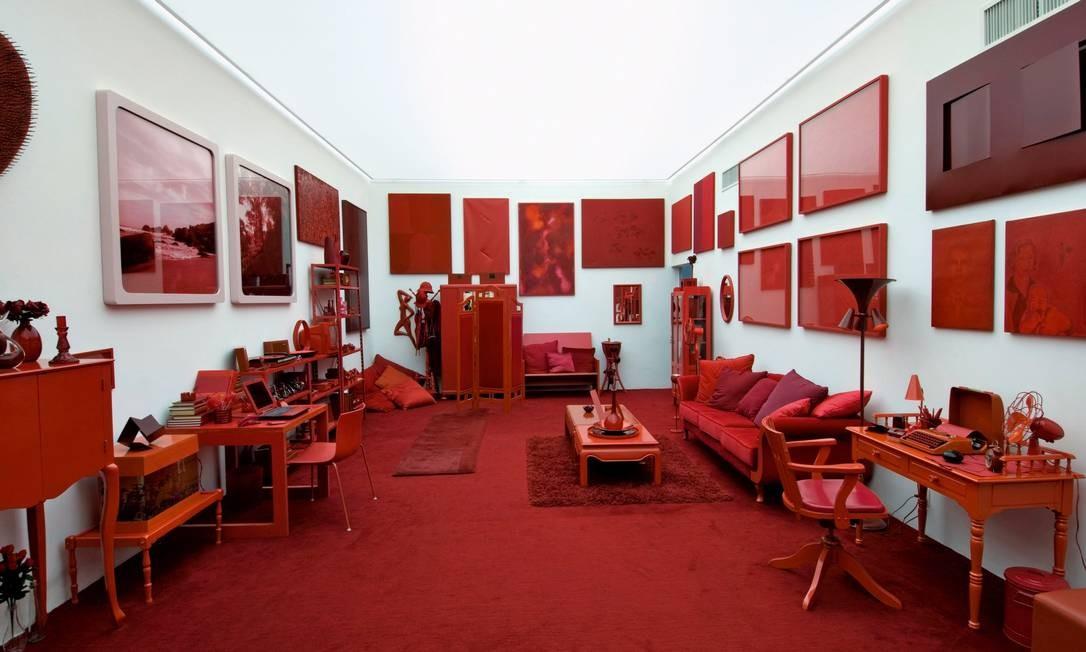 """""""Desvio para o vermelho"""" (1967/84), instalação planejada por Cildo Meireles em 1967 e que só foi realizada em 1984, no MAM do Rio. Hoje, uma das três versões da obra está montada em Inhotim Foto: Divulgação"""