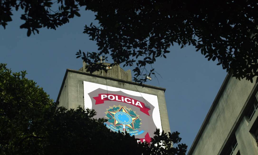 Torre do prédio da Polícia Federal no Centro do Rio Foto: Marizilda Cruppe / Agência O Globo