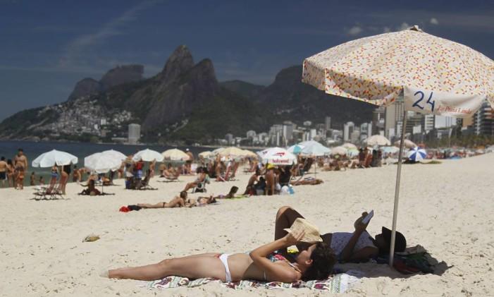 Movimento tranquilo na praia de Ipanema. Foto: Márcia Foletto / Márcia Foletto