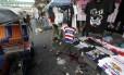 Policial na cena do crime em Bangcog, na Tailândia
