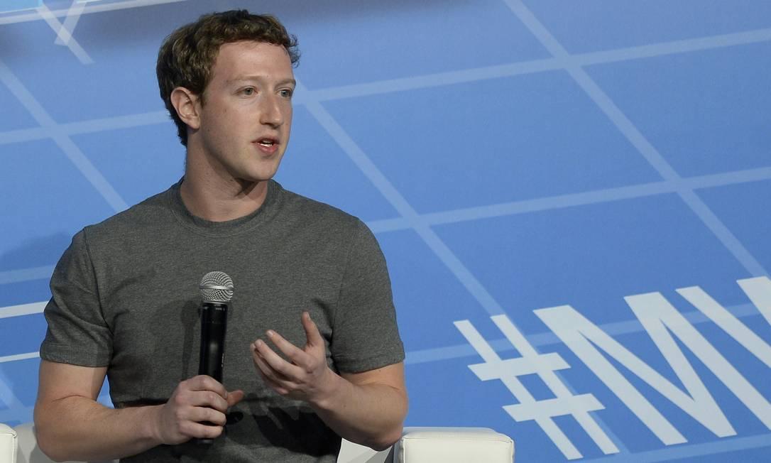 Mark Zuckerberg, CEO do Facebook, quer conectar o mundo pelo projeto Internet.org Foto: LLUIS GENE / AFP/LLUIS GENE