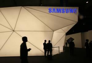 Samsung lança o Galaxy S5 em Barcelona: rival e parceira da Apple Foto: GUSTAU NACARINO / REUTERS