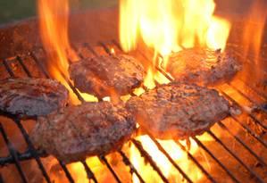 Segundo a pesquisa, qualquer carne cozida pode aumentar o risco de demência Foto: Stock Photo