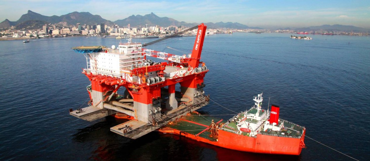 Plataforma da Petrobras na Baía de Guanabara Foto: Genilson Araujo
