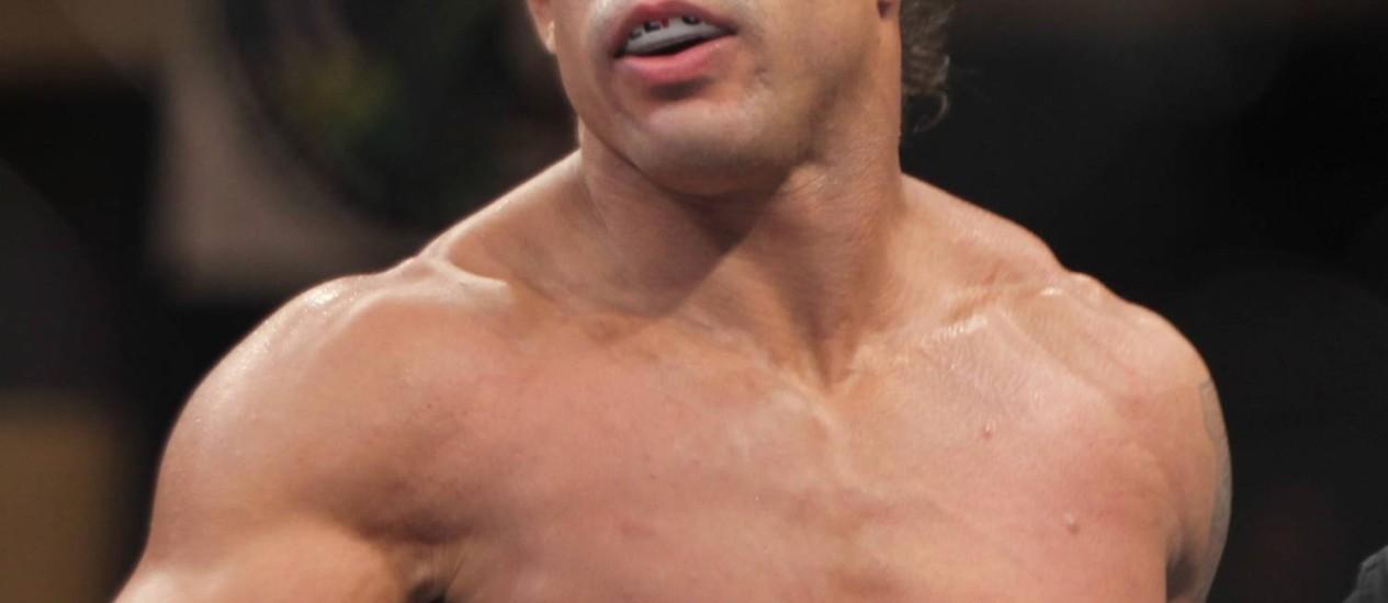 Vitor Belfort na luta de MMA com Dan Henderson, disputada em novembro, em Goiânia Foto: Terceiro / Divulgação