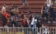 Briga entre torcedores do Vasco e do Atlético-PR na última rodada do Campeonato Brasileiro