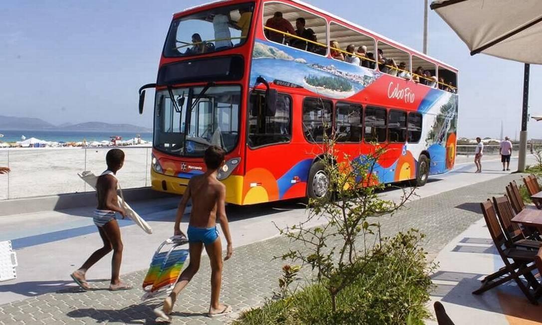 O ônibus vai percorrer as praias, a área comercial e os pontos históricos de Cabo Frio Foto: Telma Flora / Divulgação