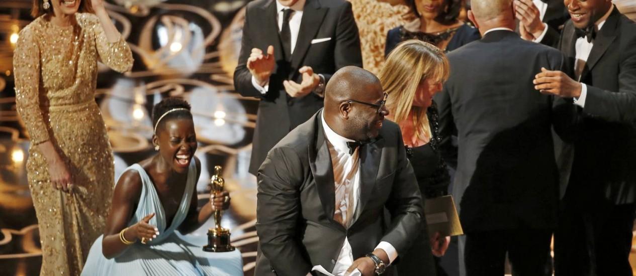 E o Oscar de melhor filme vai para '12 anos de escravidão', um dia histórico para a Academia Foto: LUCY NICHOLSON / REUTERS