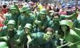 Exército Verde participa do desfile do bloco Vagalume, O Verde Foto: Camilla Maia / Agência O Globo