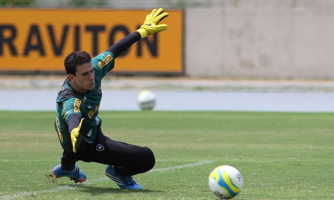 Helton Leite será titular do Botafogo nesta quinta-feira Foto: Divulgação / Botafogo