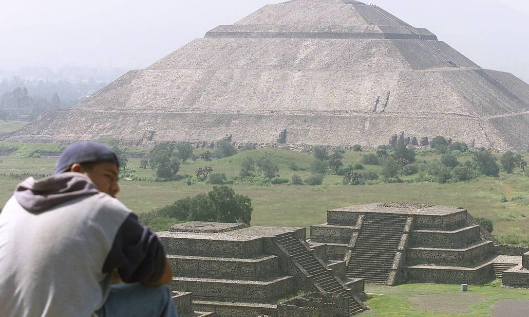 Pirâmide do Sol, na cidade de Teotihuacan, lugar da primeira metrópole das Américas, pode cair Foto: Daniel Aguilar / Reuters