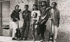 """Em 1986, em Belford Roxo, com a sua primeira banda KMD-5. Uma das fotos publicadas na autobiografia """"Não se preocupe comigo"""", de 2014 Foto: Divulgação"""