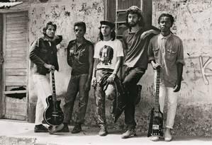 Em 1986, em Belford Roxo, com a sua primeira banda KMD-5. Uma das fotos publicadas na autobiografia