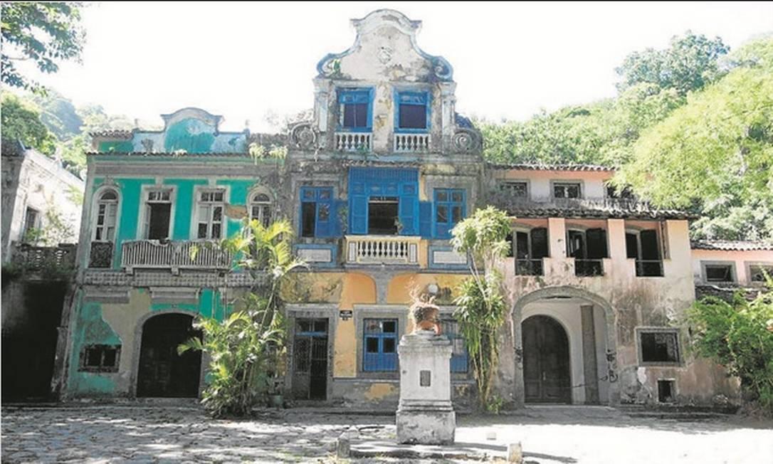 Impasse. As quatro casas que seriam desapropriadas, de acordo com decreto publicado há um ano Foto: Felipe Hanower