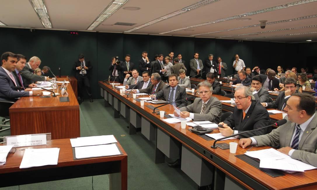 Comissão de Fiscalização e Controle durante votação de requirimentos para convocações e convites a ministros e à presidente da Petrobras Graça Foster Foto: Ailton de Freitas / O Globo