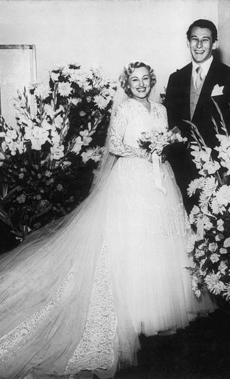 Nicette e Paulo posam no dia de seu casamento, em 1954 Foto: Agência O Globo