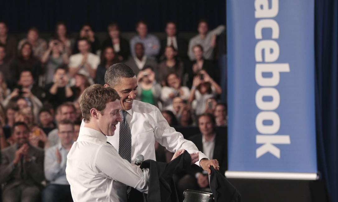 Obama e Zuckerberg durante encontro em 2011 Foto: Pablo Martinez Monsivais / AP