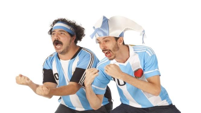 Os atores Hernán Franco e Juan Isola protagonizam a série Foto: Divulgação