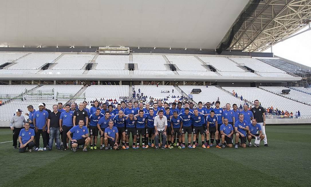 Jogadores do Corinthians posam para foto no Itaquerão Foto: () Daniel Augusto Jr. / () © Jr., Daniel Augusto