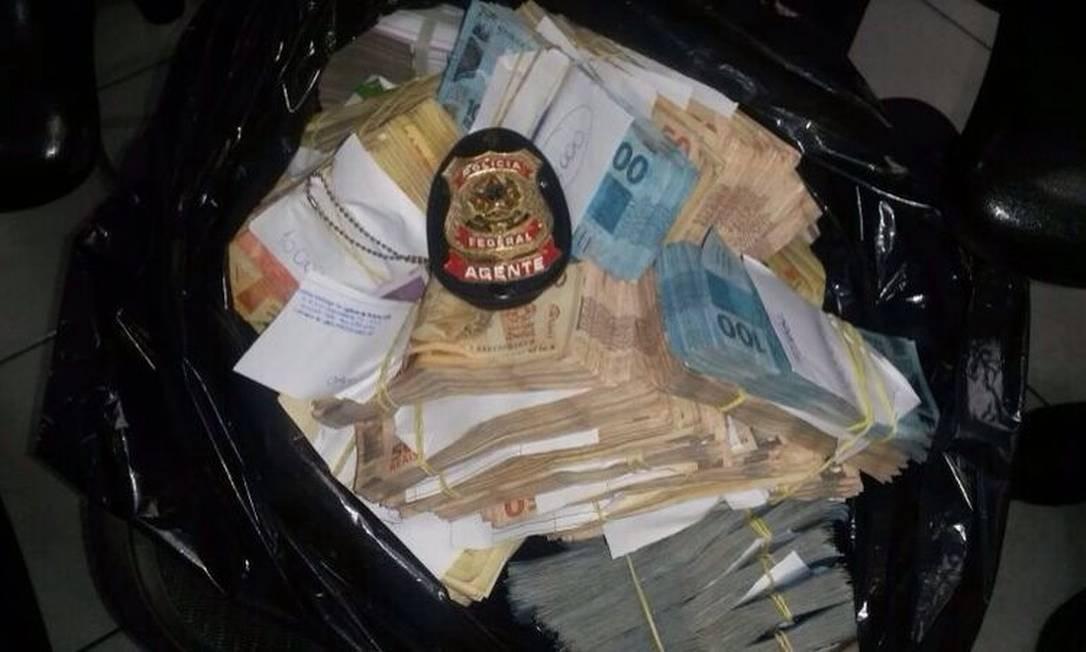 Dinheiro apreendido na operação Lava-Jato, em Londrina (PR) Foto: Divulgação PF