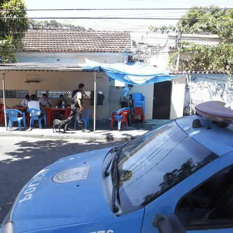 O bar de dona Cris: moradores deixaram de procurar o local Foto: Pablo Jacob / Agência O Globo