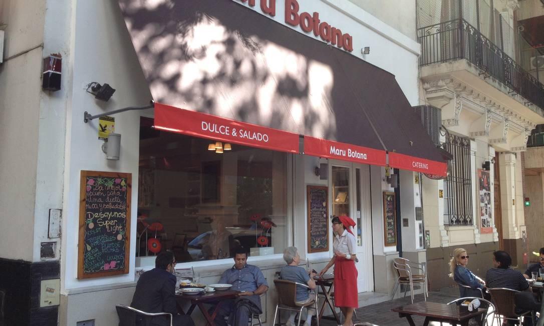 Café de grife. Maru Botama em Buenos Aires Foto: Terceiro / Agência O Globo