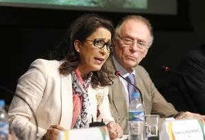 Nawal e Nuzman: COI viu avanços no projeto olímpico, mas está preocupado com Deodoro Foto: Ivo Gonzalez / Agência O Globo