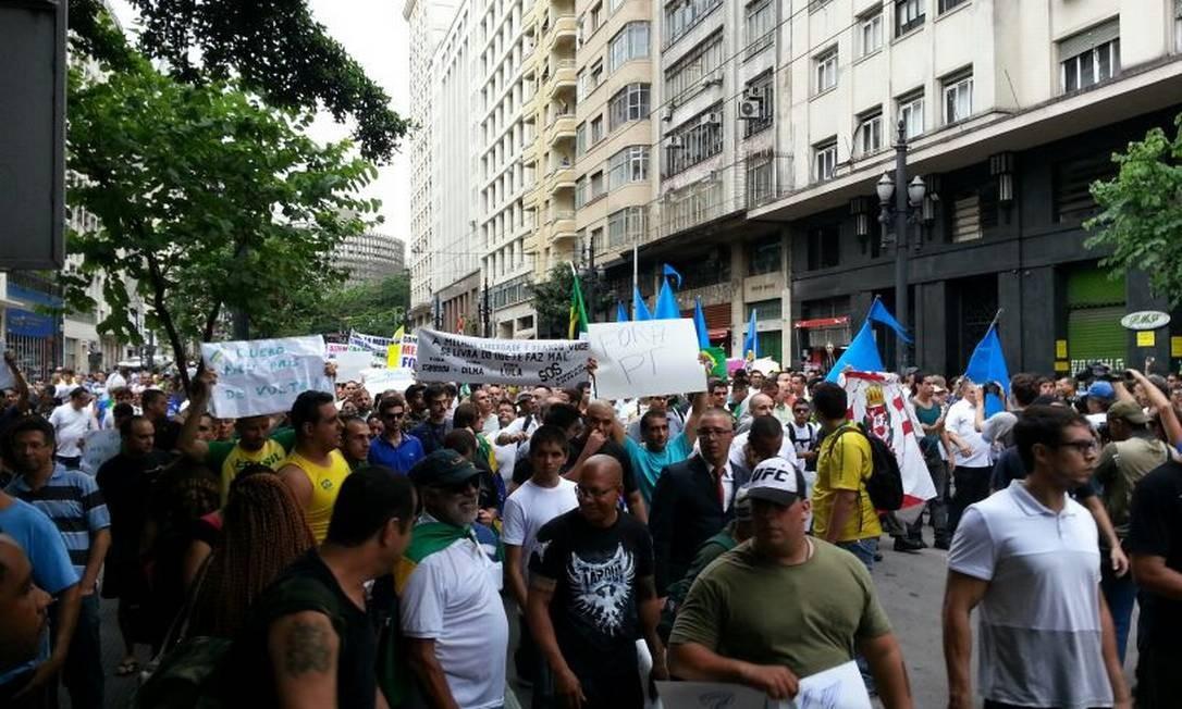 Em SP, Marcha da Família percorre as ruas do centro da cidade Foto: Tiago Dantas/Ag. O Globo