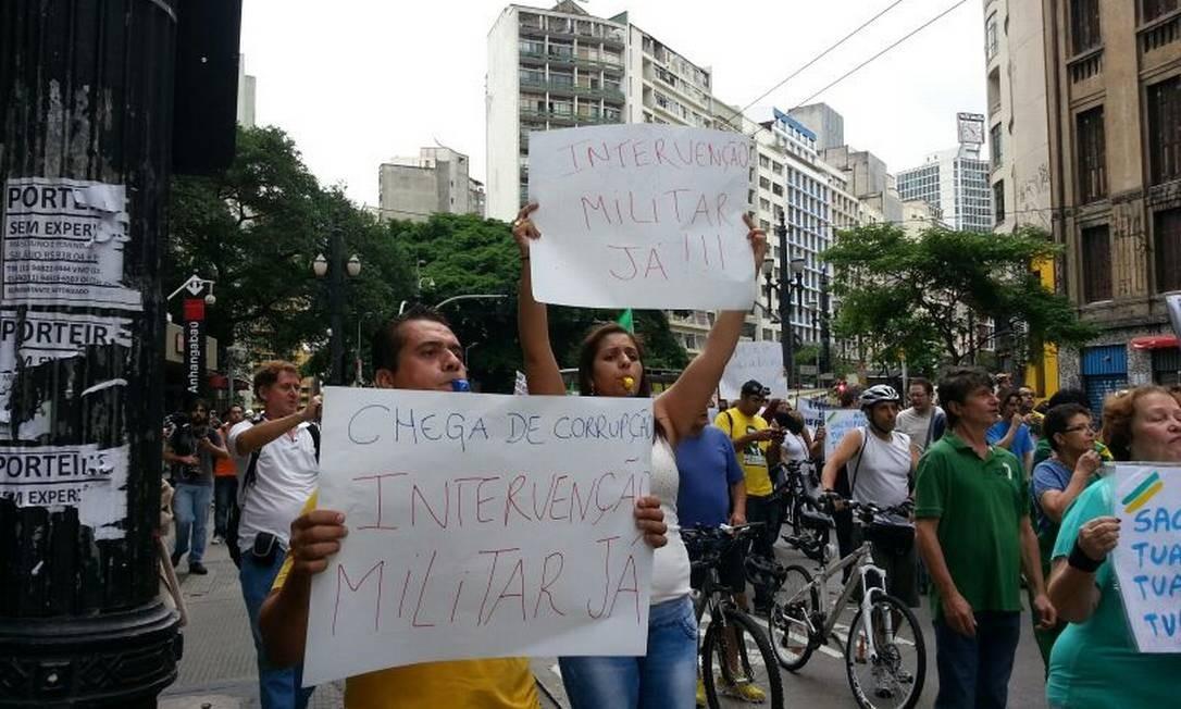 Marcha da Família nas ruas do centro de SP Foto: Tiago Dantas/Ag. O Globo