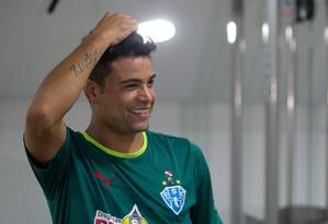 Pivô do rebaixamento da Portuguesa, Héverton agora é jogador do Paysandu Foto: Alexandre Cassiano / Agência O Globo