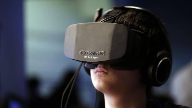 O Oculus Rift ainda não foi lançado, mas já possui 75 mil encomendas de kits para desenvolvedores Foto: Bloomberg/Matthew Lloyd