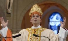 Bispo Franz-Peter Tebartz-van Elst faz seu discurso de posse durante um culto de adoração na Catedral de Limburg, em 20 de janeiro de 2008 Foto: KNA-BILD / REUTERS