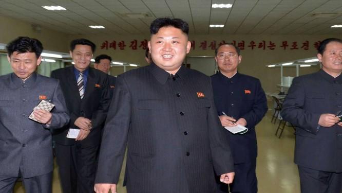Líder norte-coreano Kim Jong-Un: corte de cabelo padronizado Foto: KNS / AFP/20-3-2014