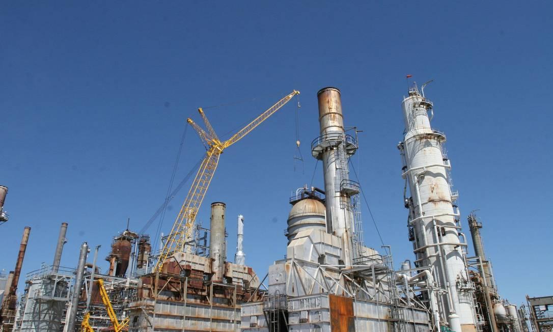 Centro da polêmica: a refinaria Pasadena, da Petrobras, nos EUA Foto: Agência Petrobras