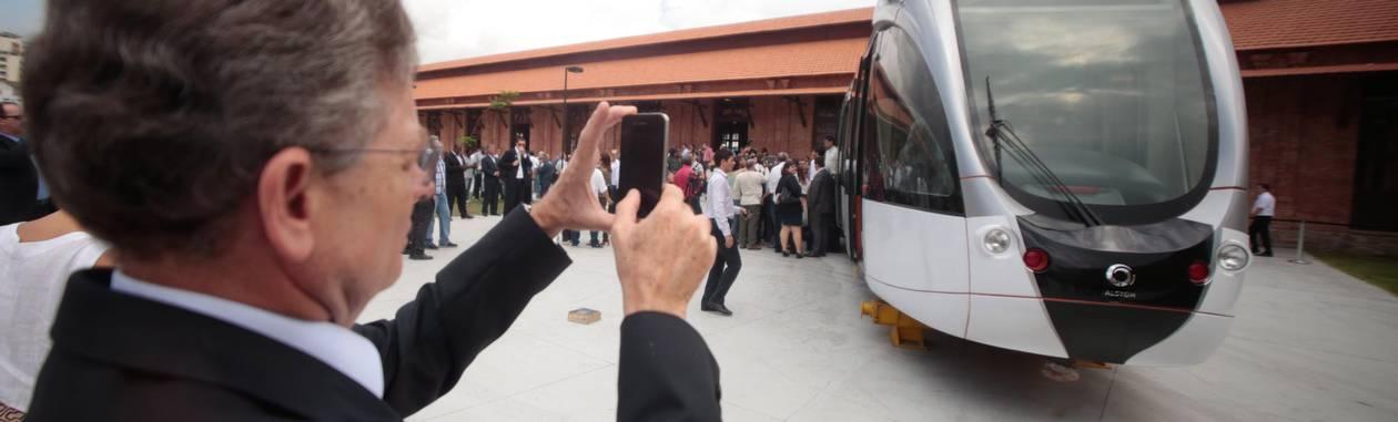 VLT deve começar a circular no segundo semestre de 2015 Foto: Agência O Globo